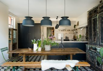 Mixing old and new in this delightful Shaker kitchen