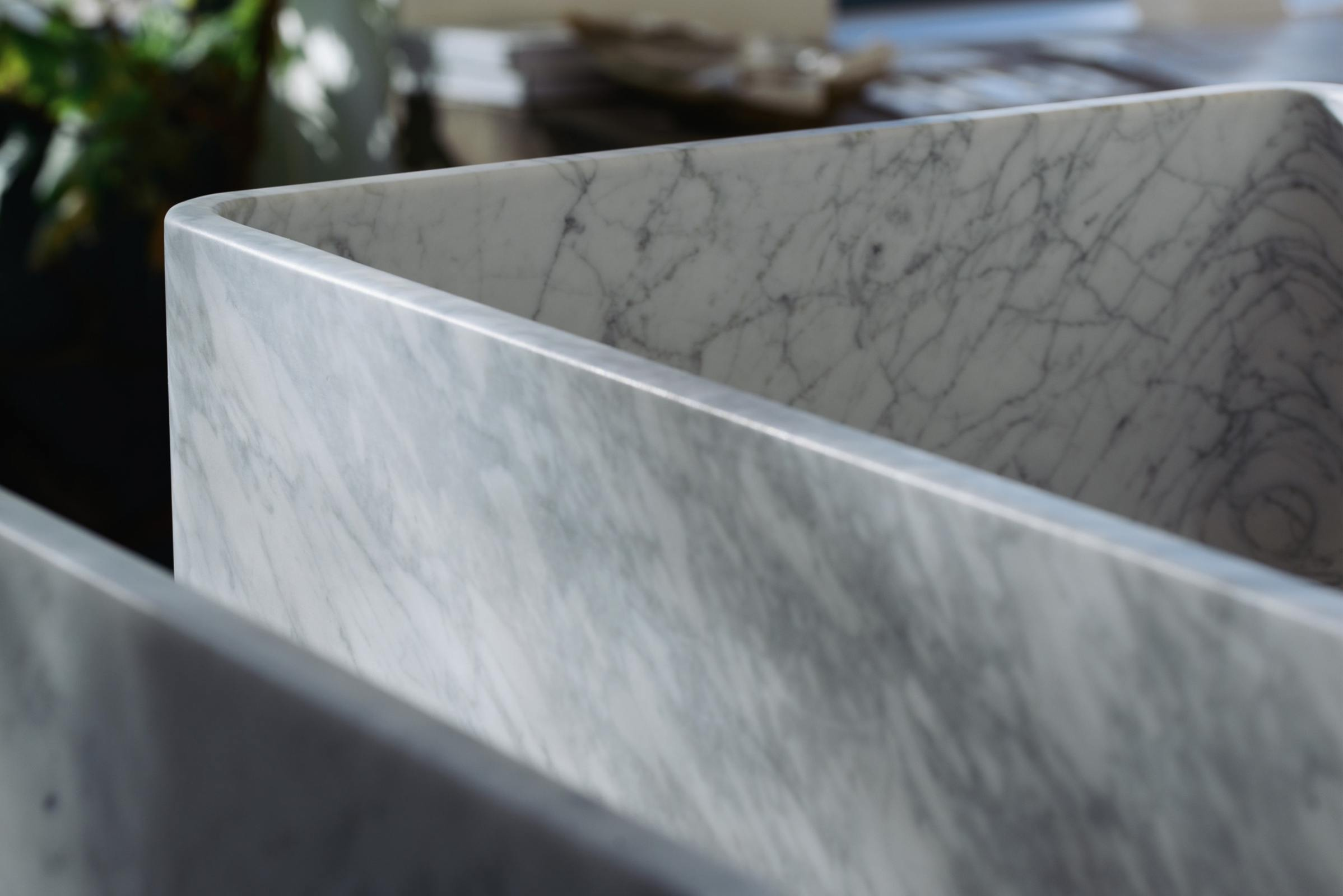 Milano Penthouse 31 1/2'' Single Marble Sink photo 8