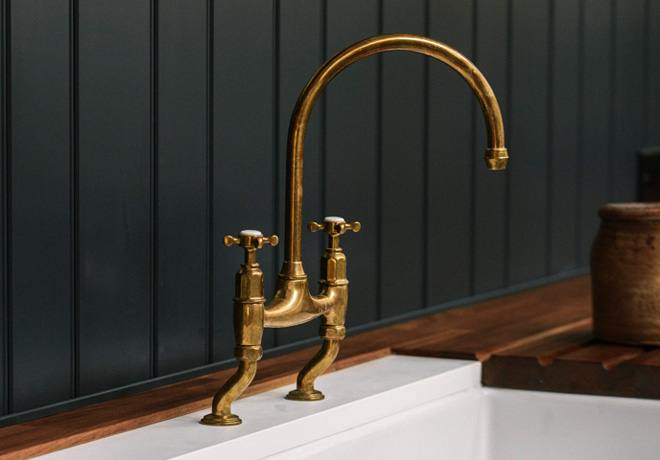 deVOL Aged Brass 'Ionian' Tap photo 3