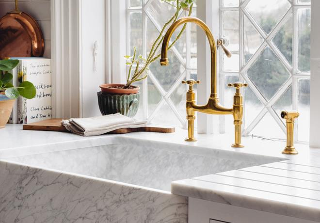 deVOL Aged Brass 'Ionian' Tap photo 5