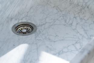 Milano Penthouse 31 1/2'' Single Marble Sink photo 3 thumbnail