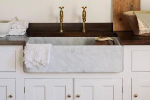 Tuscan Farmhouse 31 1/2'' Single Marble Sink photo 5 thumbnail