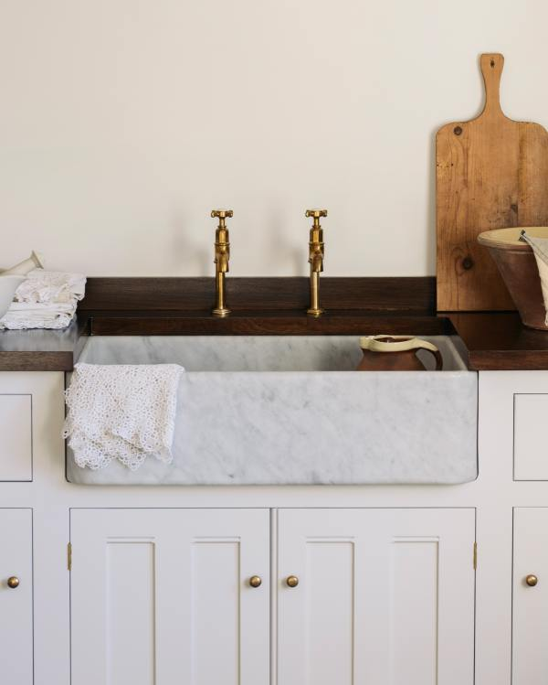 Tuscan Farmhouse Carrara Marble Sinks