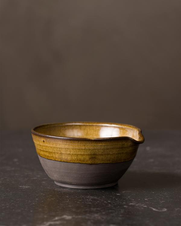 Small Amber Glaze Pouring Bowl