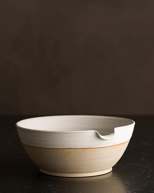 Medium Natural White Pouring Bowl