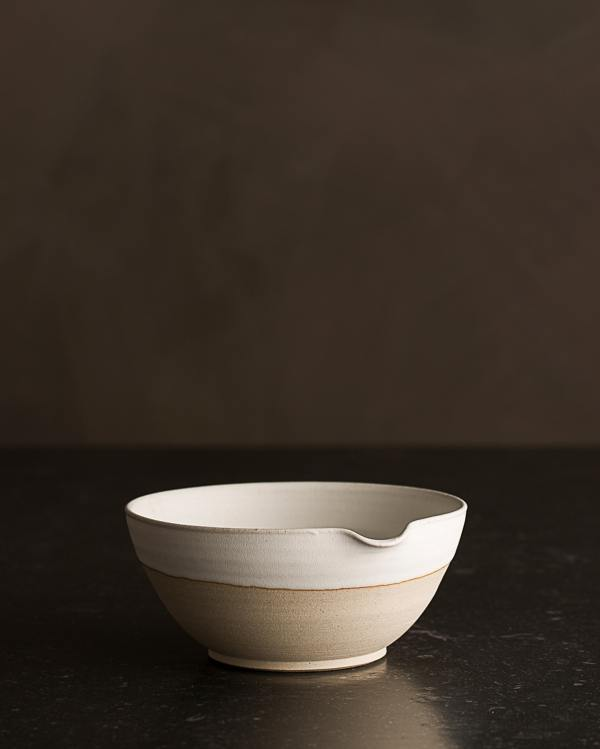 Small Natural White Pouring Bowl