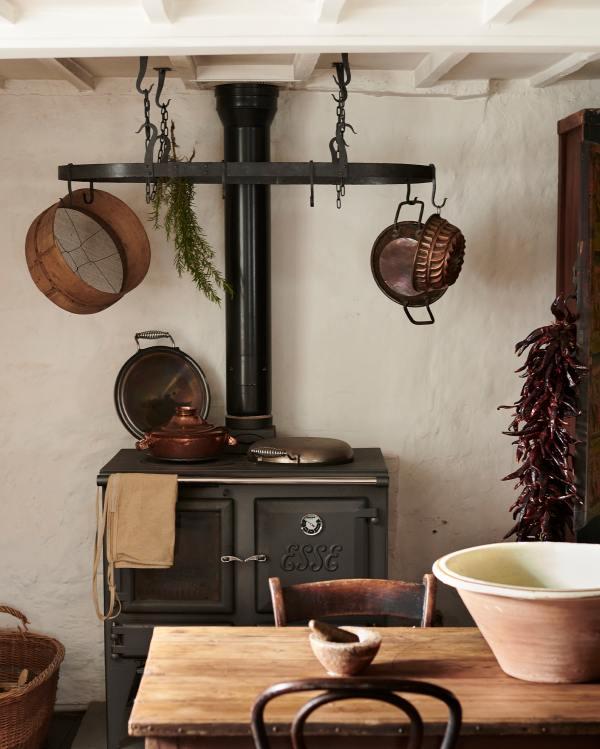 The Pot Hanger